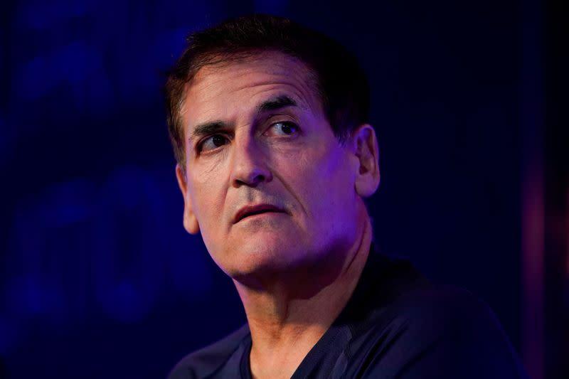Mavericks owner Cuban says NBA should allow 'take a knee' protests