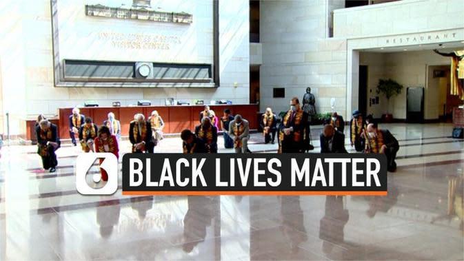 VIDEO: Anggota Kongres AS Berlutut Hormati George Floyd