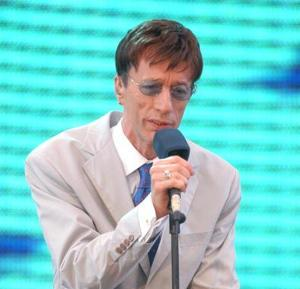 Robin Gibb and Remembering The Bee Gees