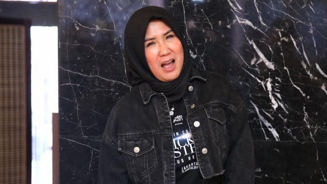 Lirik Lagu Panggung Sandiwara - Nicky Astria