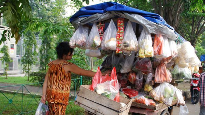 Berkah di Balik Pandemi Covid-19, Tukang Sayur Keliling Kewalahan Layani Pembeli