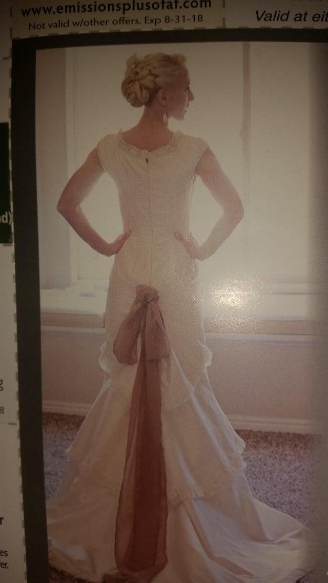 The gown was criticised for its unusual design. Photo: Reddit