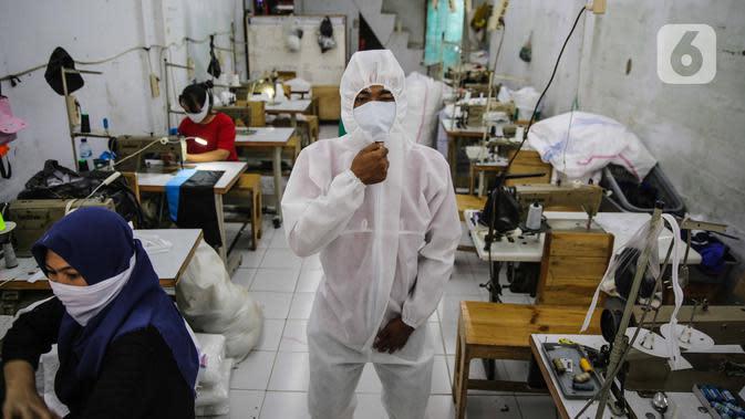 Perangi Corona, Bulog Bagikan 6.000 Masker dan 160 APD ke Petugas Medis