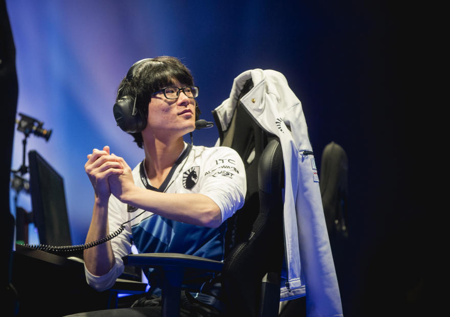 Piglet's move to mid lane made Team Liquid scramble to find a new AD carry, and Mobalytics helped (Lolesports/Riot Games)