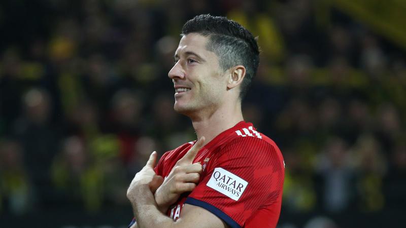 'Bayern happy to be the hunters this time' - Lewandowski warns Dortmund the Bundesliga chase is on