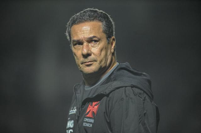 RJ-里约热内卢-2019年11月18日,巴西A 2019,瓦斯科vs戈亚斯-范斯科莱·瓦斯科的卢森堡教练在圣胡安纳里奥球场与戈亚斯的比赛中赢得巴西A 2019冠军。图片:Allan Carvalho / AGIF