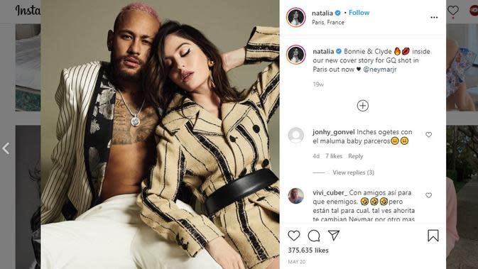 Neymar dan kekasih barunya Natalia Barulich (Instagram)