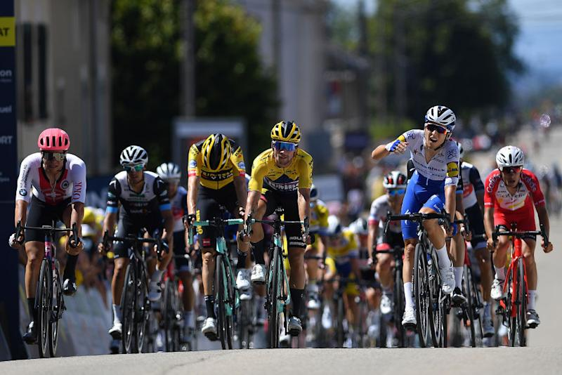Andrea Bagioli Deceuninck-Quick-Step separated himself from bunch sprint at precise moment.