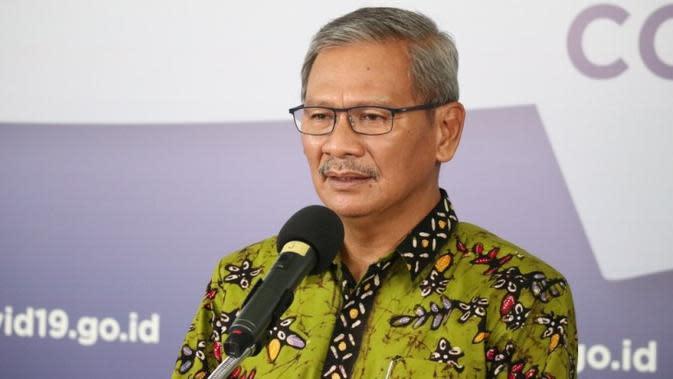 Juru Bicara Penanganan Covid-19 Achmad Yurianto memberikan orang-orang yang terinfeksi Virus Corona penyebab COVID-19 saat konferensi pers di Graha BNPB, Jakarta, Selasa (12/5/2020). (Dok Badan Nasional Penanggulangan Bencana/BNPB)