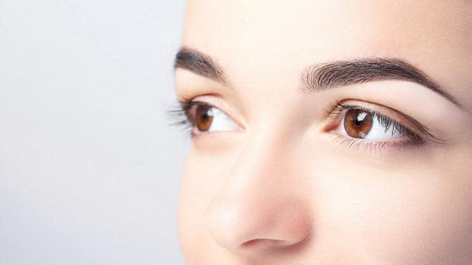 5 Cara Sederhana Ini Ampuh Atasi Mata Bengkak Usai Menangis