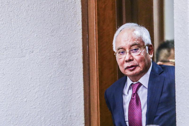 Datuk Seri Najib Razak is seen at the Kuala Lumpur Courts Complex September 24, 2019. — Picture by Hari Anggara