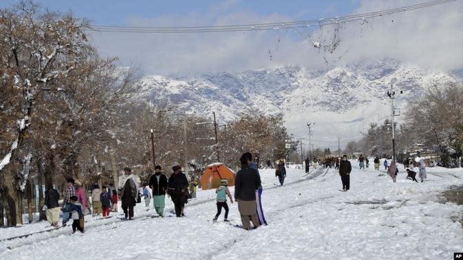 Musim Dingin Mematikan Landa Afganistan dan Pakistan