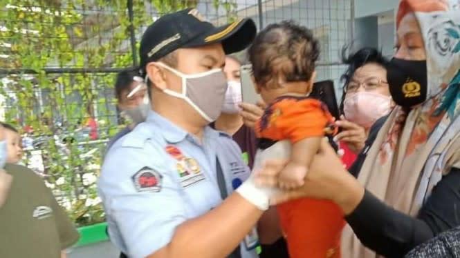 Ibu di Apartemen Cengkareng Siksa Bayinya Dicebur-ceburkan di Kolam