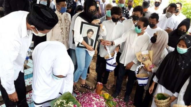 Jenazah Rinaldi Korban Mutilasi Dimakamkan di Sleman