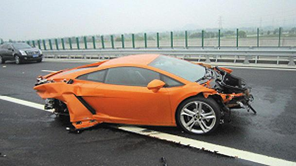 Media drive of Lamborghini Gallardos ends with totaled Gallardo