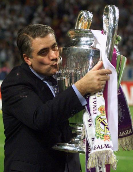 FILE PHOTO: REAL MADRID'S MANUEL SANCHIS KISSES THE EUROPEAN CUP.
