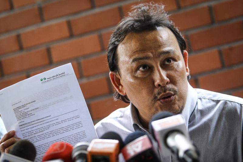 Utusan NUJ president, Mohd Taufeq Razak, speaks during a press conference at Utusan Melayu Berhad building in Kuala Lumpur October 9, 2019. — Picture by Hari Anggara