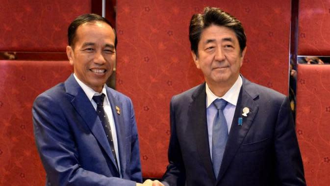 Presiden Jokowi dan Perdana Menteri (PM) Jepang Shinzo Abe. (Biro Pers Kepresidenan)
