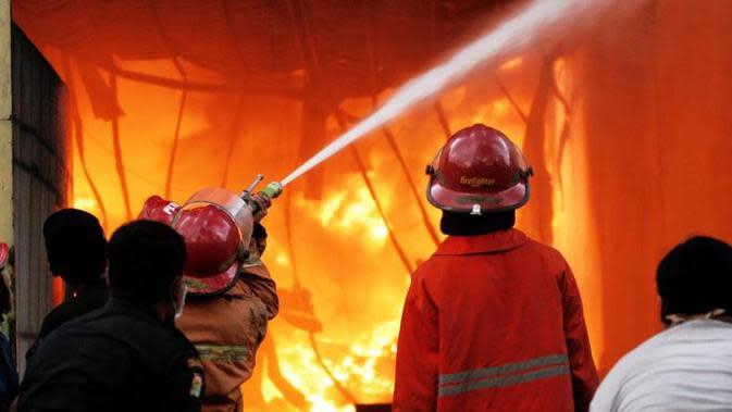Kebakaran Terjadi di Pemukiman Warga Jakarta Utara pada Minggu Dini Hari