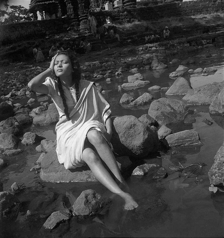 A woman poses during a picnic in Bombay, late 1930's, by Homai Vyarawalla. Photo: HV Archive/ The Alkazi Collection of Photography
