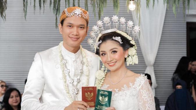 Potret akad nikah dari Giannirma Gavrila dan Janed Kharisma. (Sumber: Instagram @nikenwap)