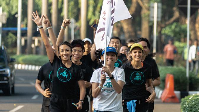 Melanie Putria dan Nadine Chandrawinata saat mengikuti Run for the Ocean di kawasan SCBD, Minggu (1/7/2018) (Liputan6.com/Pool/adidas Indonesia)