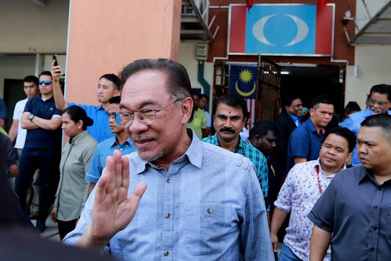 PKR president Datuk Seri Anwar Ibrahim leaves after the Central Leadership Council meeting at the party's headquarters in Petaling Jaya January 18, 2020. ― Picture by Ahmad Zamzahuri