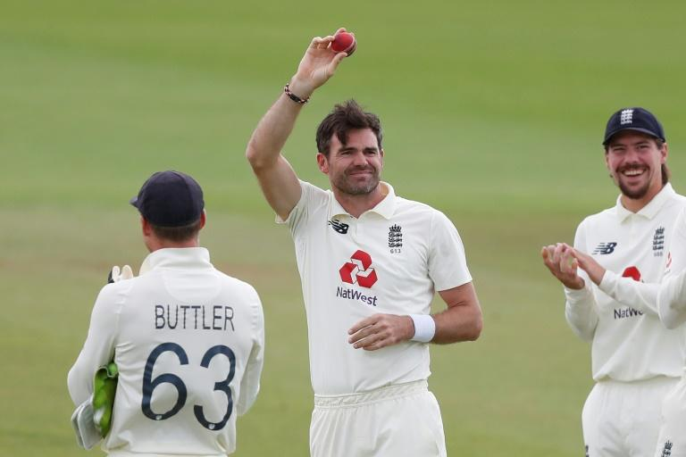 Kumble, Warne welcome England's Anderson to '600 club'
