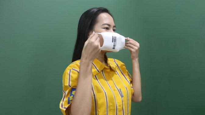 Ilustrasi memakai masker. (dok. IKEA Indonesia)