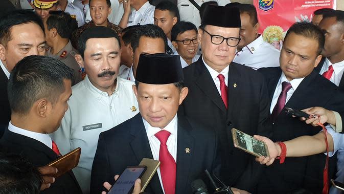 Menteri Dalam Negeri (Mendagri) Tito Karnavian (tengah). (Liputan6.com/Nanda Perdana Putra)