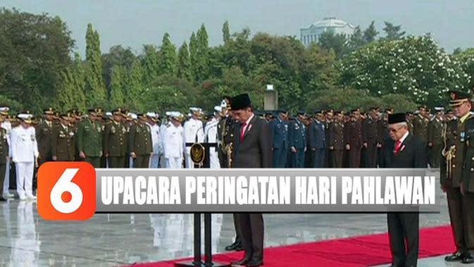 Hari Pahlawan, Jokowi Tabur Bunga di Makam BJ Habibie dan Ani Yudhoyono