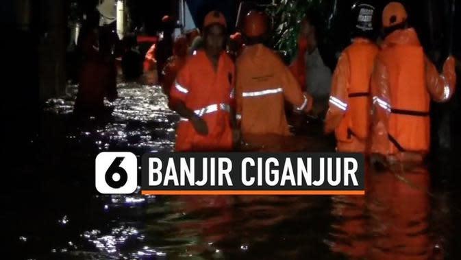 VIDEO: Tanah Longsor dan Banjir Ciganjur 1 Tewas Ratusan Orang Dievakuasi