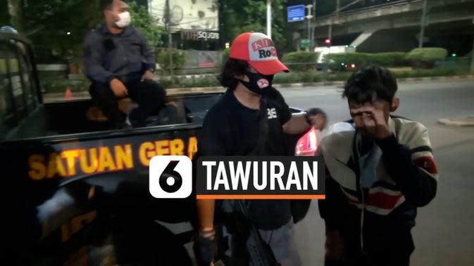 VIDEO: Cegah Tawuran, Tim Rajawali Sisir dan Amankan Remaja di Kawasan Jatinegara