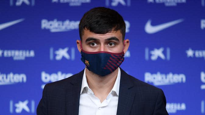 Pemain Las Palmas, Pedri akhirnya resmi bergabung dengan Barcelona, Kamis (20/8/2020) (AFP/Josep Lago)