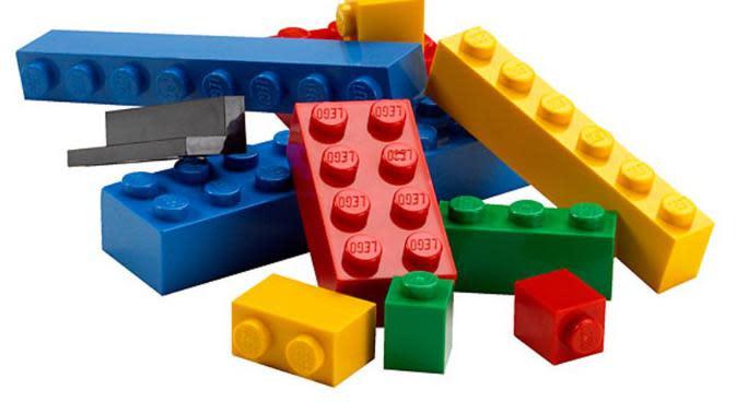 Mainan balok LEGO sudah dibuat menjadi berbagai kreasi bentuk tanpa batas. Tapi ini diklaim paling gokil sepanjang sejarah!