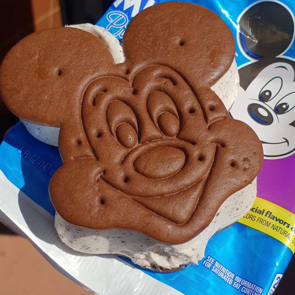 <p>This is one of the staple snacks found at food carts around Walt Disney World's four theme parks, two water parks and shopping district. Mickey's premium ice cream sandwich is a cookies and cream flavored frozen treat just tastes better than any vanilla one you've ever had. Photo: Yahoo Lifestyle </p>