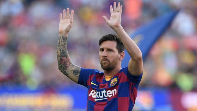 6. Lionel Messi - Kehebatan pemain asal Argentina ini memang tidak diragukan lagi saat berkostum Barcelona. Messi telah banyak menyumbangkan banyak trofi juara untuk Barcelona di berbagai kompetisi. (AFP/Josep Lago)