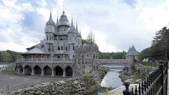 Kastil Chrismark (sumber: businessinsider)