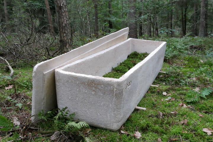 Loop coffin