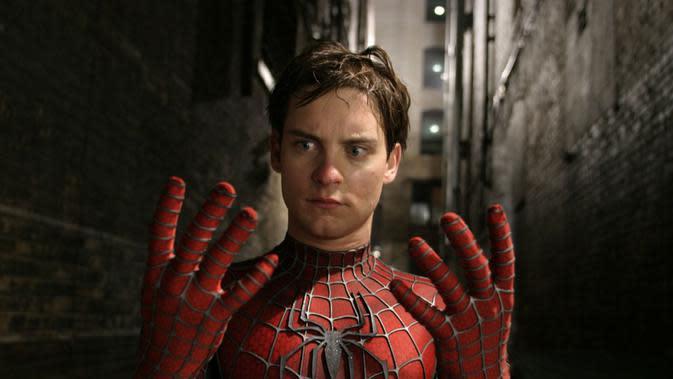 Tobey Maguire sebagai Spider-Man. (Columbia / popoptiq.com)