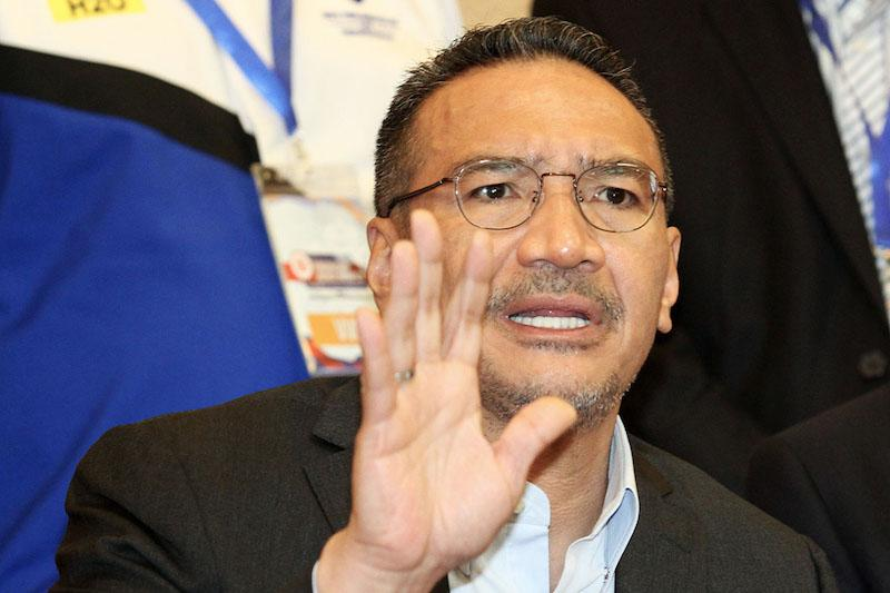 Datuk Seri Hishammuddin Hussein today said he does not support Datuk Seri Anwar Ibrahim as a prime ministerial candidate. — Picture by Miera Zulyana