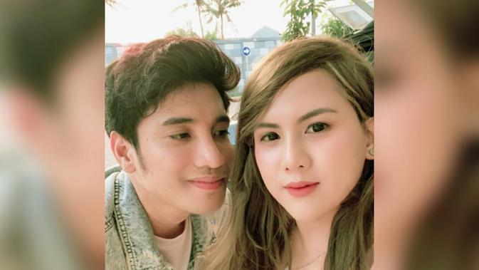 Pasangan Evelin Anjani dan Alkhan Marcedo yang selalu kompak. (Sumber: Instagram/@evelinnadaanjani)