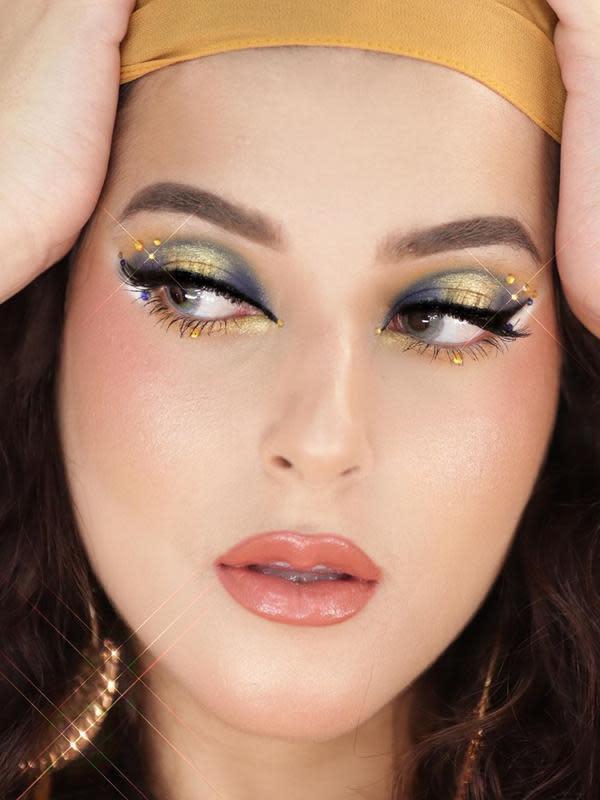 Potret Tasya Farasya Dengan Riasan Makeup Unik. (Sumber: Instagram.com/tasyafarasya)