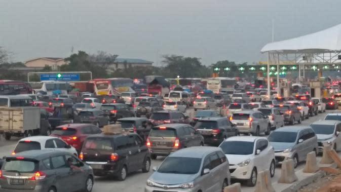 Masih Nekat, Lebaran Hari Kedua 37 Ribuan Kendaraan Tinggalkan Jakarta