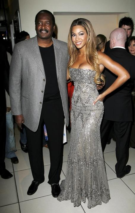 Beyonce's Family Feud? Matthew Knowles Suing Mad Over Tabloid Tale