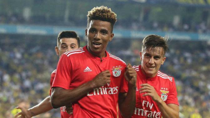 Gedson Fernandes (tengah) (Benfica)