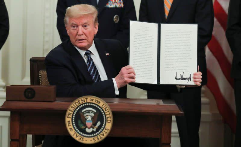 Trump confident that coronavirus may have originated in Chinese lab