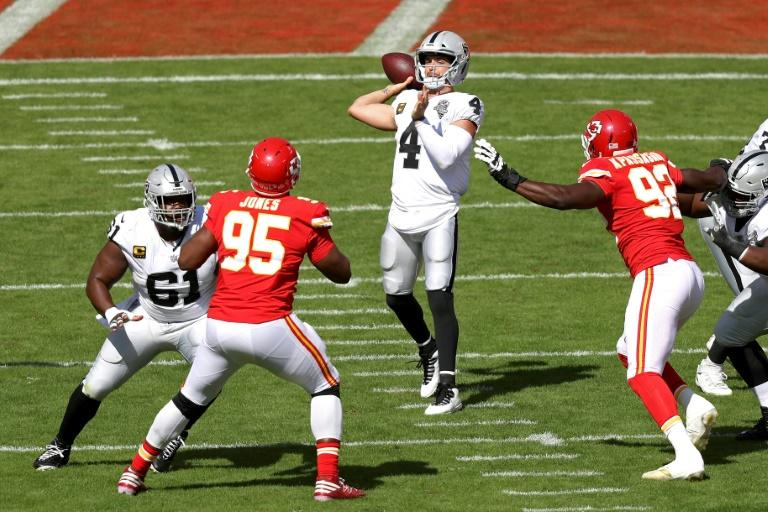 Raiders stun NFL champ Chiefs as Seahawks, Steelers stay unbeaten