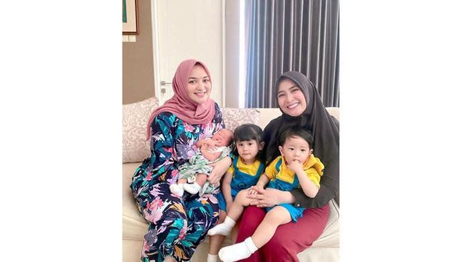 6 Potret Perubahan Wajah Citra Kirana Sebelum Vs Sesudah Melahirkan Baby Athar (sumber: Instagram.com/citrakirana)