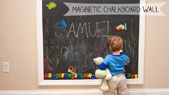 Manfaat Coret-Coret Dinding Bagi Anak (Ronnachai Palas/Shutterstock)